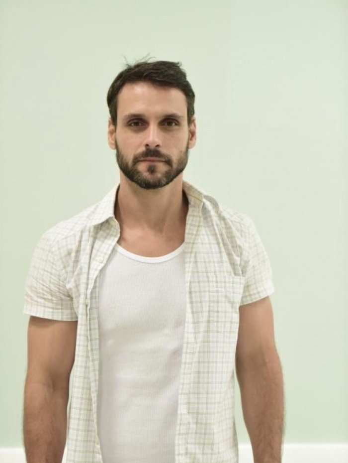 Antonio (Felipe Cunha), em 'Topíssima'