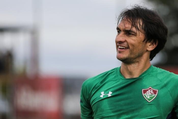 Matheus Ferraz renovou contrato com o Fluminense