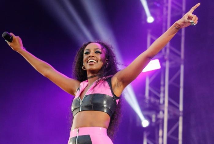 A cantora Iza, durante show realizado no segundo dia do Game XP, no Parque Olímpico da Barra, Zona Oeste do Rio, nesta sexta-feira (26)