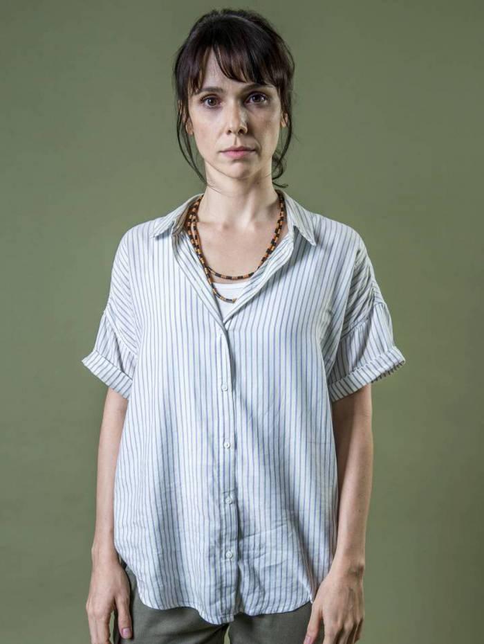 Natalie (Débora Falabella) na série 'Aruanas'